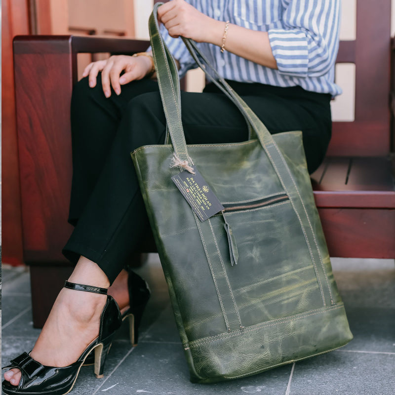 Hoi An Real Leather - Da Bao Real Leather Hoi An: Dark green Tote Leather Bag for Women in washed-out look