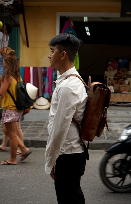 Hoi An Real Leather - Da Bao Real Leather Hoi An: Bootstrap backpack, the first backpack for students