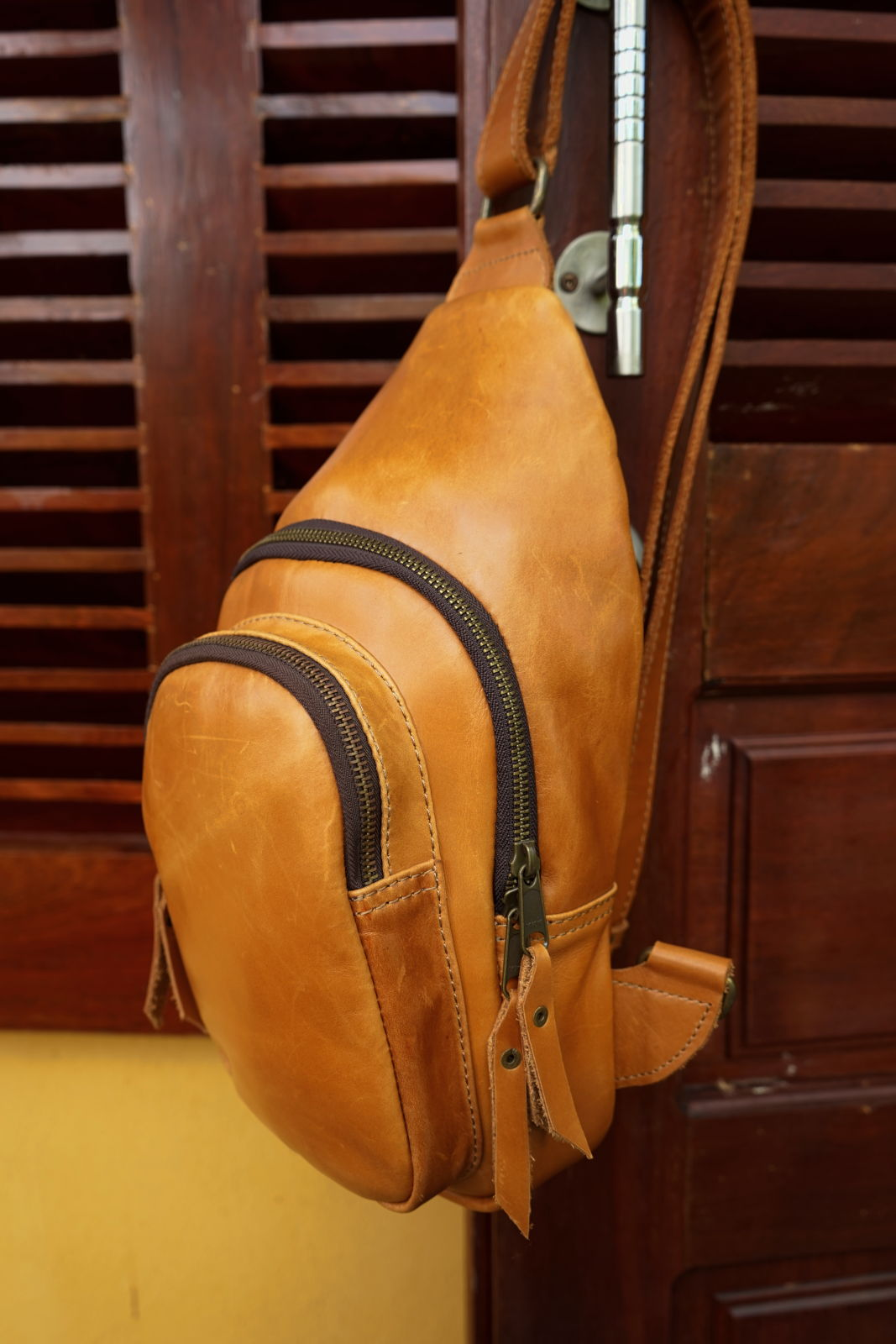 Hoi An Real Leather - Da Bao Real Leather: Leather sling bag