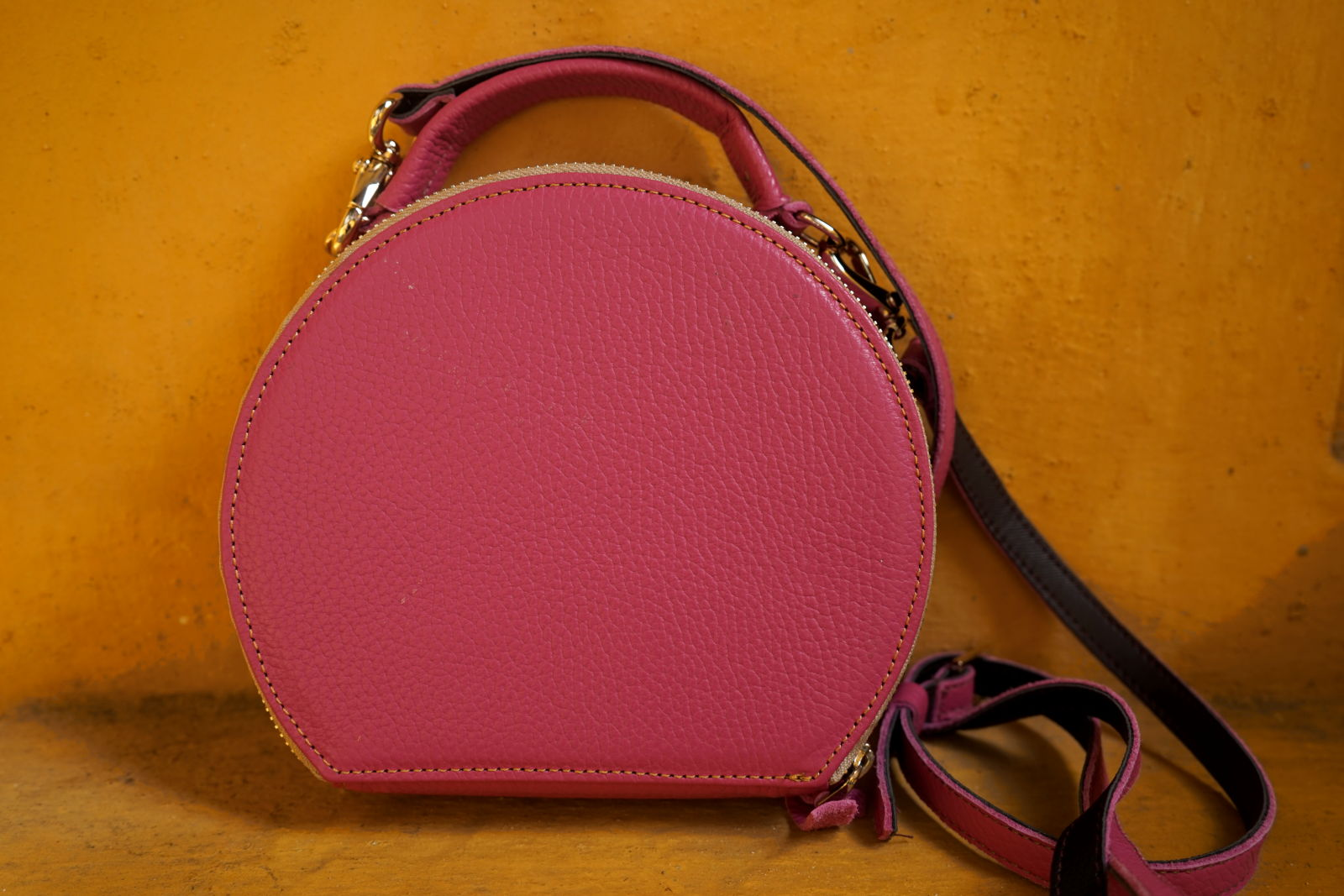 Hoi An Real Leather - Da Bao Real Leather: Pink round purse made of cow leather