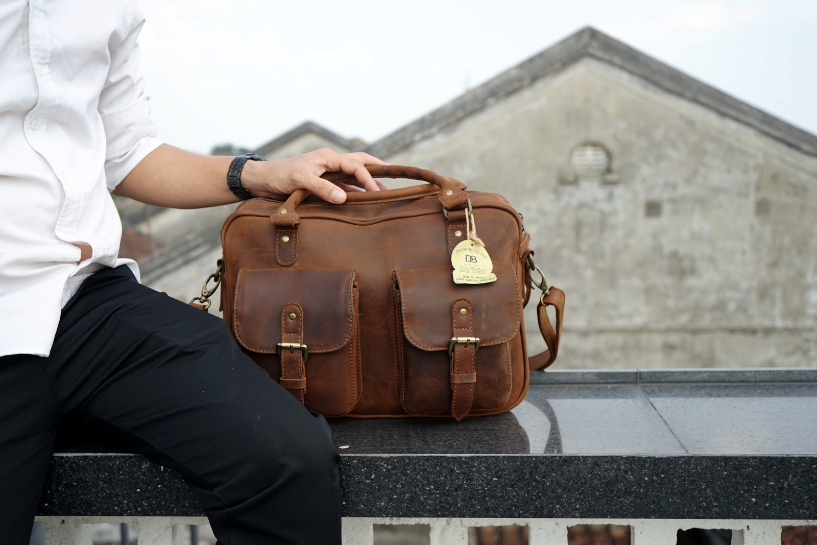 Hoi An Real Leather - Da Bao Real Leather: Leather Bags - Big Leather Briefcase with 2 compartments and outer pockets. Stylish vintage looking buffalo leather