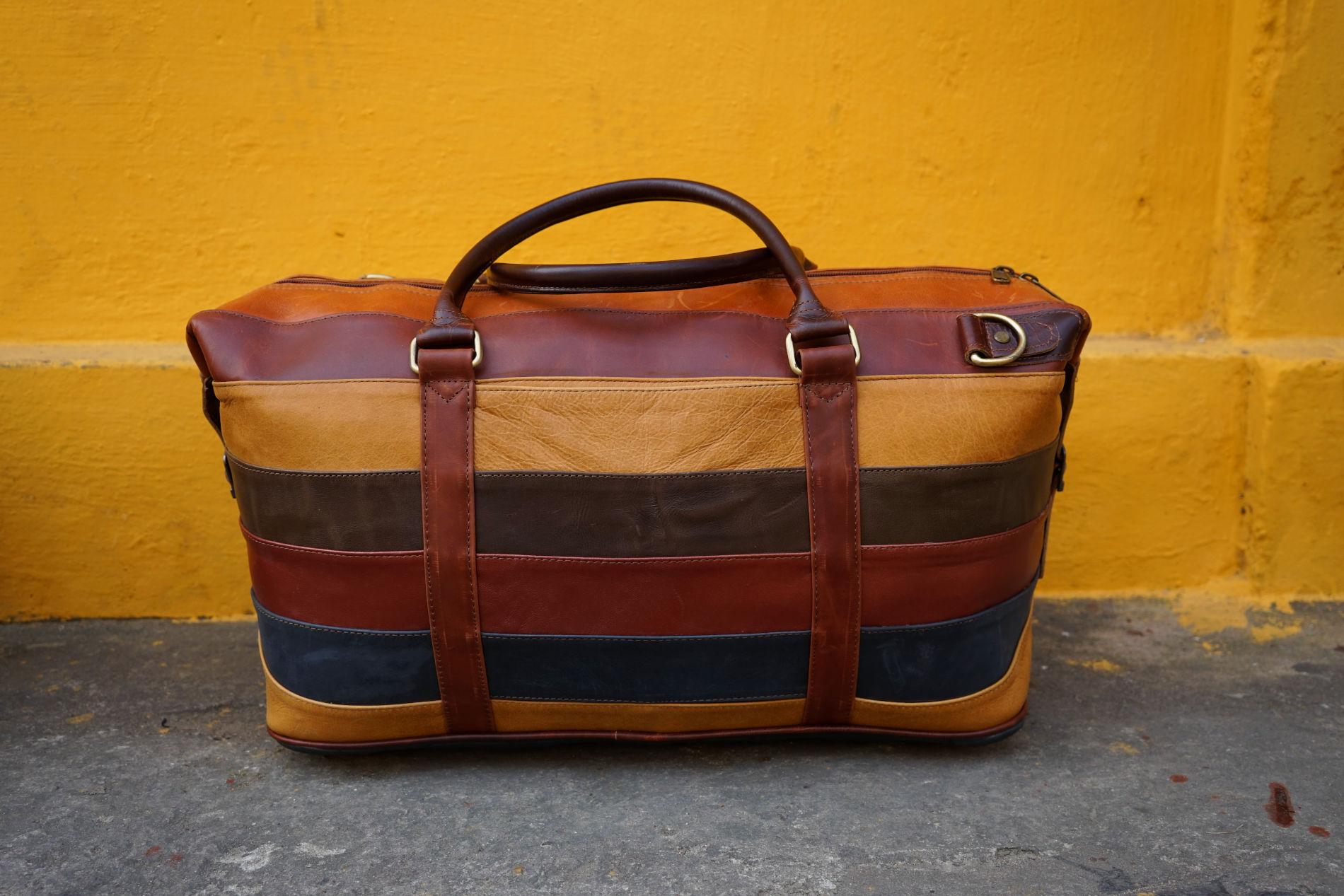 Da Bao - Leather Shop - Buffalo leather duffle bag with colorful stripes